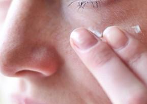 ちりめんじわにおすすめの化粧品と予防方法【しわを消す】
